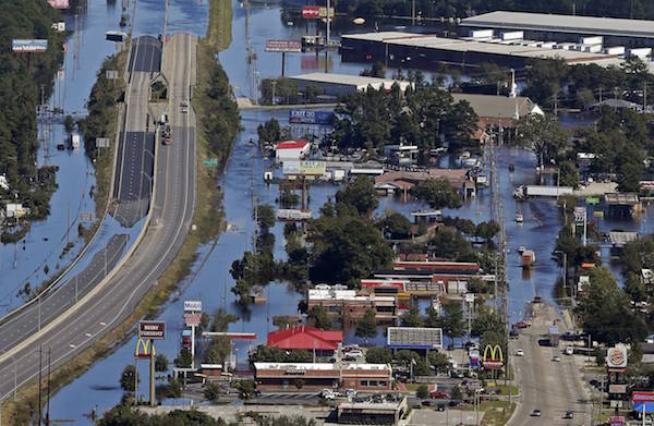 hurricane_matthew-lumberton_nc-chuck_burton-associated_press